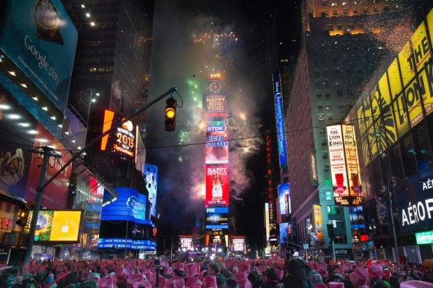 AP_NYC_New_year_bc_150101.jpg